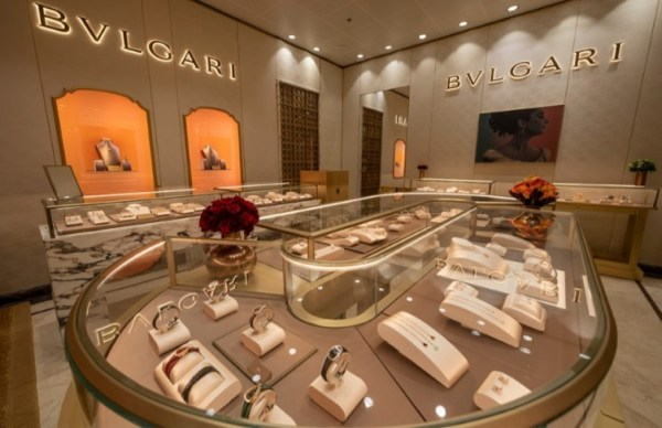 Bvlgari Boutique Opens Aboard the Disney Fantasy 1