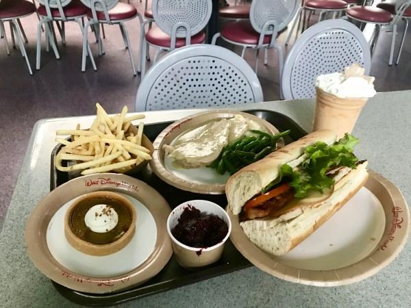 Tomorrowland Terrace Restaurant Now Serving Thanksgiving Eats