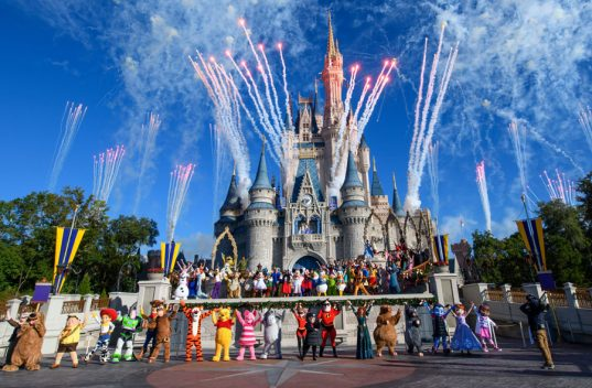 Mickey's 90th Birthday Around the World 5