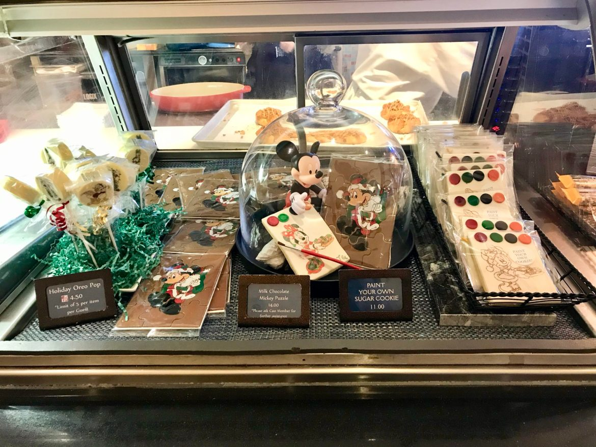 Yacht & Beach Club Resorts Celebrate the Holidays with New Treats