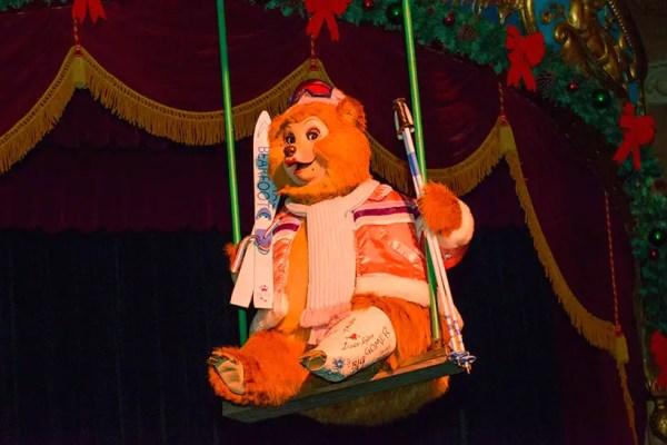 Country Bears Feeling Festive at Tokyo Disneyland! 6