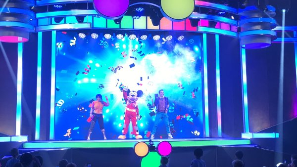 Disney Junior Dance Party Mickey Mouse
