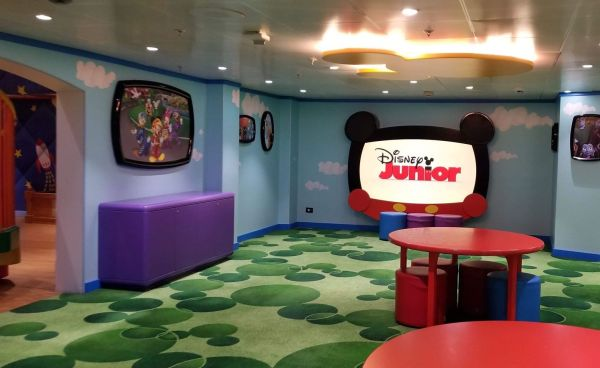 Take A Tour of The Oceaneer Club and Lab Aboard The Disney Magic 15