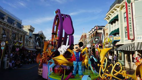 Mickey's Soundsational Parade has Returned to Disneyland