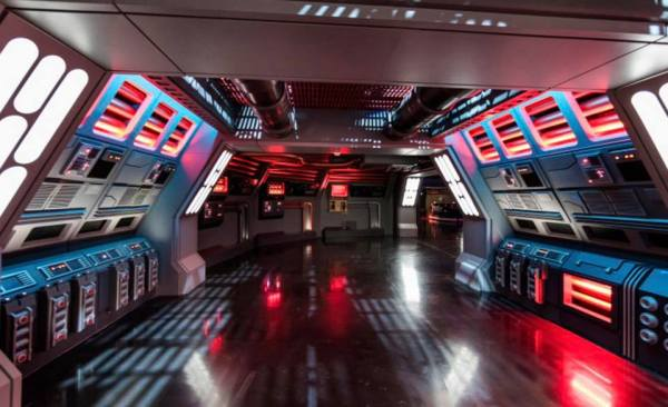 More information on the Rides & Attractions at Star Wars Galaxy's Edge 3