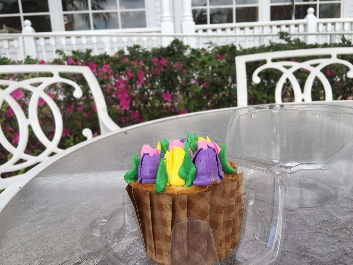 New Seasonal Cupcake at Gasparilla Island Grill at the Grand Floridian Screams Spring