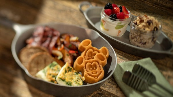 New Skillets Available On The Whispering Canyon Café Menu 8
