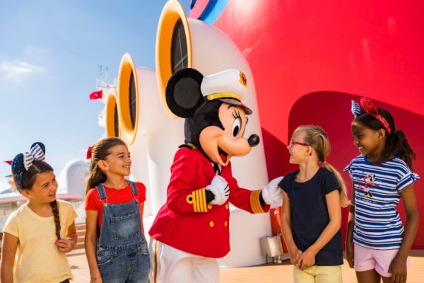 Disney Cruise Line and Captain Minnie Mouse Inspire Next Generation of Female Ship Captains 2