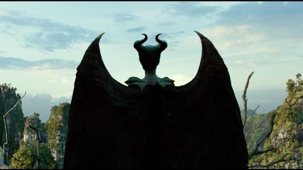 "Watch Disney's ""MALEFICENT: MISTRESS OF EVIL"" Starring Angelina Jolie, Elle Fanning & Michelle Pfeiffer 1"