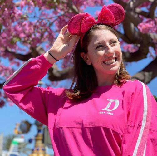 2 New Glittery Minnie Ears And A Spirit Jersey Sparkling In For Summer 3