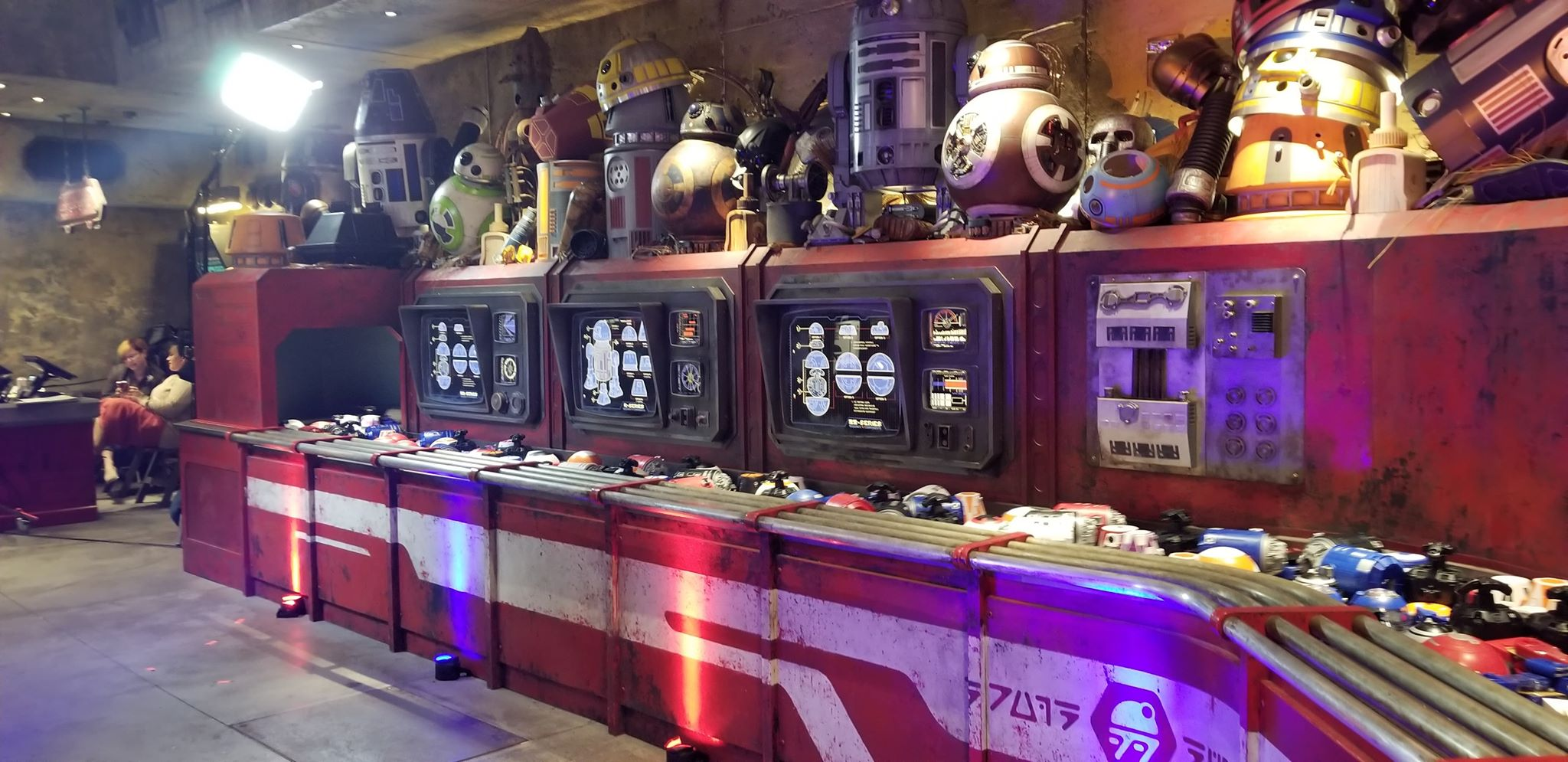 Droid Depot At Galaxy's Edge Lets You Bring Your Own Droid To Life 1