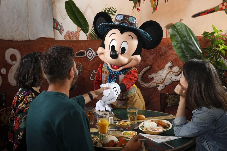 Lion King Inspired Lunch at Hakuna Matata Restaurant Disneyland Paris!