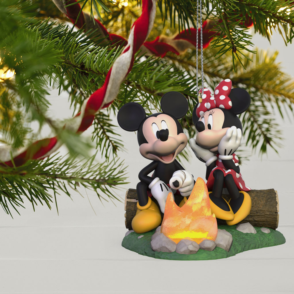 Hallmark Christmas In July 2019.Disney Hallmark Keepsake Ornaments To Premiere In July