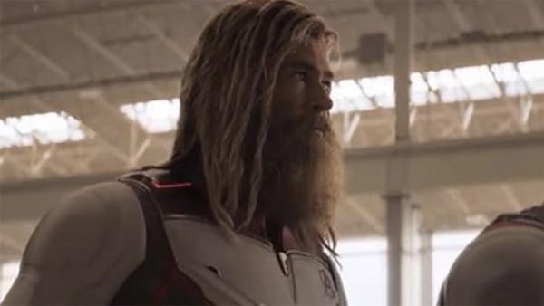 "Chris Hemsworth Shares A Special Video of Thor Singing Johnny Cash's ""Hurt"" 3"
