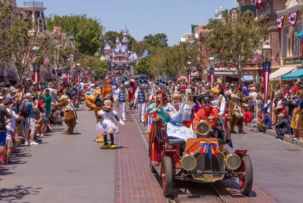 Now At Disneyland: Mickey and Friends Band-Tastic Cavalcade