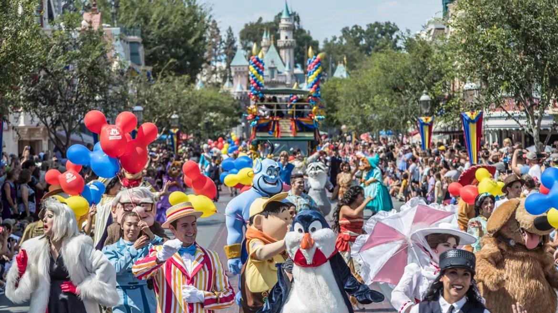 "New ""Mickey and Friends Band-Tastic Cavalcade"" at Disneyland"