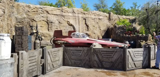 Check Out This Star Wars: Galaxy's Edge Photo Tour 8