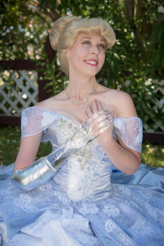 Woman Recreates the Cinderella Story Using a Glass Arm and the Photos are Magical 1