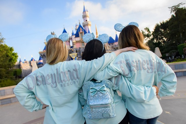 Disney Arendelle Aqua Collection Is Frosty And Fabulous 2