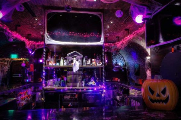 Dallas Pub Transforms in to Halloween Town from 'Nightmare Before Christmas' 2