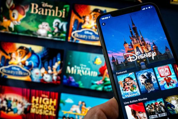 Disney Reportedly Banning Netflix Ads as Disney+ Launch Approaches 1