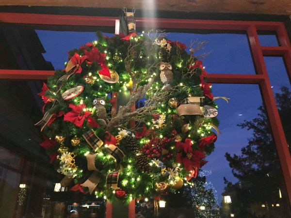 The Christmas Tree at Disney's Wilderness Lodge 3