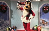 Minnie's Holiday Dine at Hollywood Studios Is the Merriest Dining For The Season
