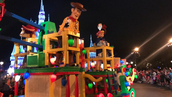 Mickey's Very Merry Christmastime Parade Is The Perfect Way To Celebrate The Season 7
