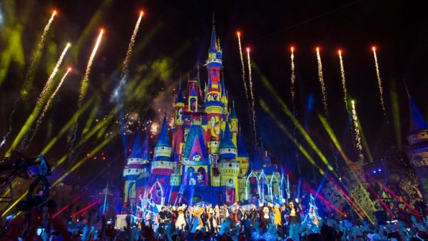 'The Wonderful World of Disney: Magical Holiday Celebration' Airs Tomorrow! 2