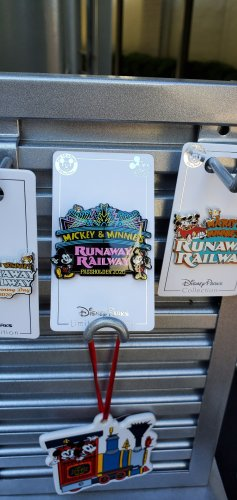 Preview of Merchandise for Mickey & Minnie's Runaway Railway! 5