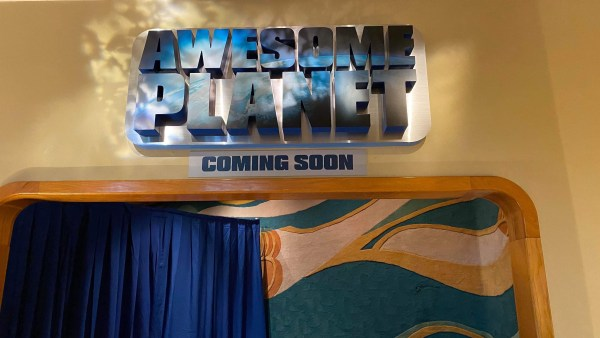 awesome planet sign epcot