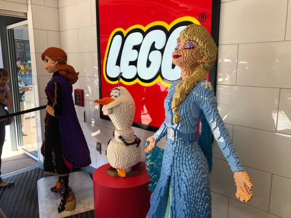Frozen 2 LEGO Display Materializes in Disney Springs 3