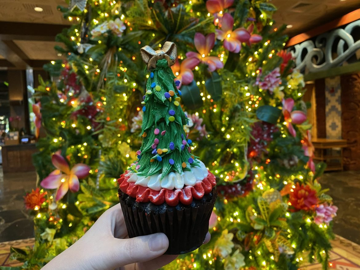 New Holly Jolly Christmas Tree Cupcake Arrives At The Polynesian Resort