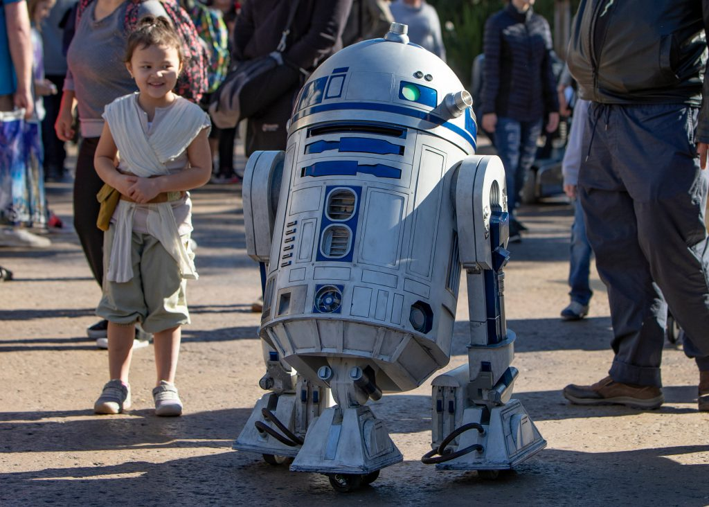 R2-D2 is now rolling around Star Wars: Galaxy's Edge