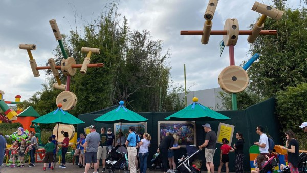Construction of Roundup Rodeo BBQ in Toy Story Land 2