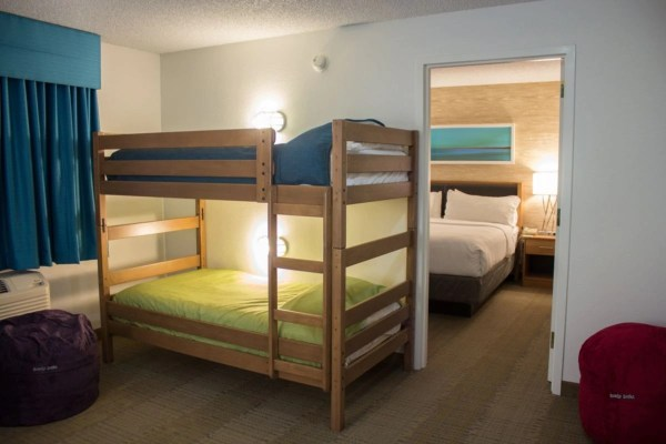 Holiday Inn Anaheim Resort presents The Practically Perfect Package! 3