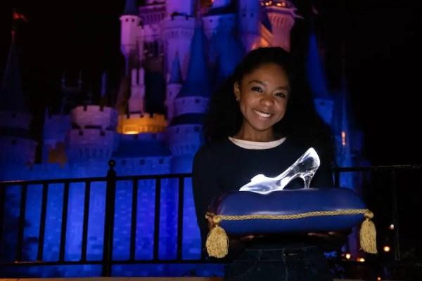 Cinderella 70th Anniversary Photo Ops At Walt Disney World! 3