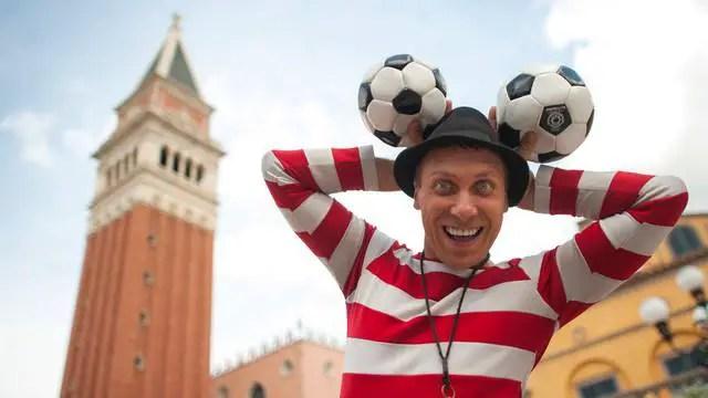 Sergio the Italian Juggler no longer performing in Epcot