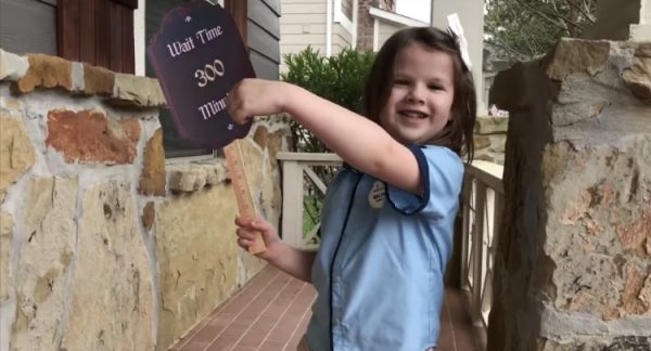 Family Creates Disney Magic at Home After Cancelling Their Trip 3