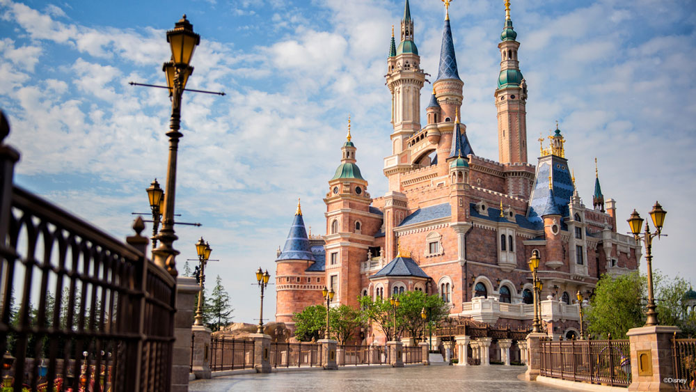 Shanghai Disneyland Shows What Social Distancing Will Look Like At Theme Parks