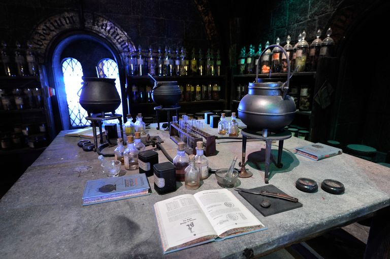 Enroll At A Virtual Hogwarts And Take Free Online Classes