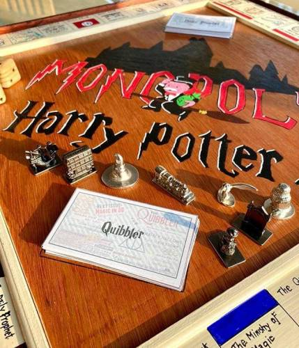 Man Builds 'Harry Potter' Monopoly Game from Scratch for His Girlfriend 6