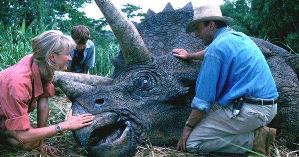 'Jurassic Park' Becomes Number 1 at the Box Office, 27 Years After Premiering in Theaters 3