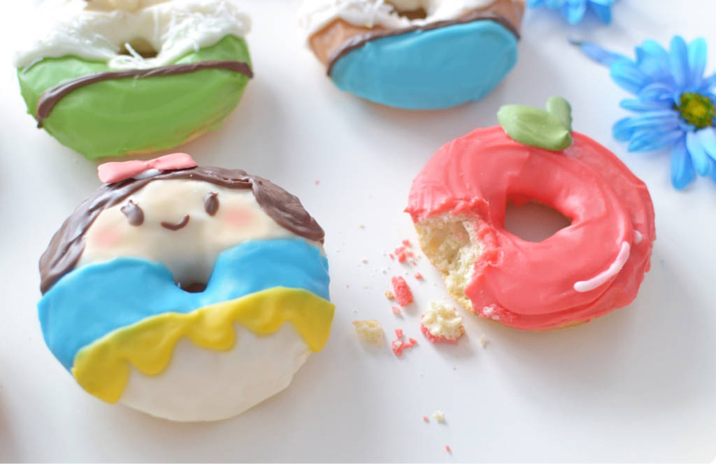 Make Snow White and the Seven Dwarves Donuts at Home