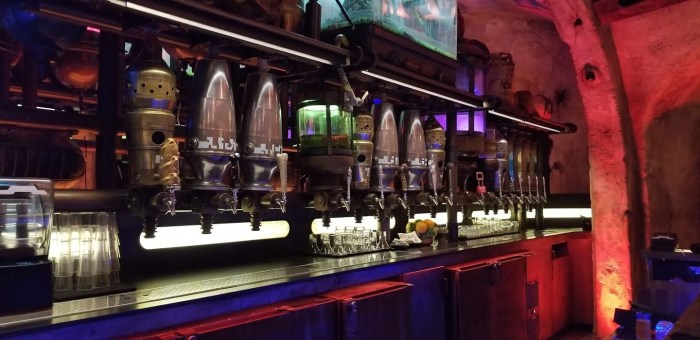 Oga's Cantina has been Removed from the Disney World Reopening Restaurants list Oga's Cantina