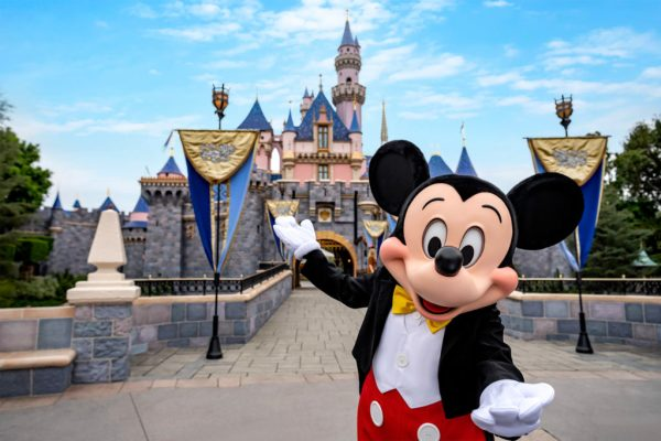 Disneyland is Sending Emails to Guests with Reservations Through July 22