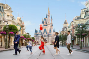 Disney World Now Accepting Reservations For VIP Tours!