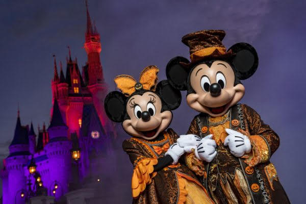 Guests allowed to wear costumes during Magic Kingdom Park regular operating hours