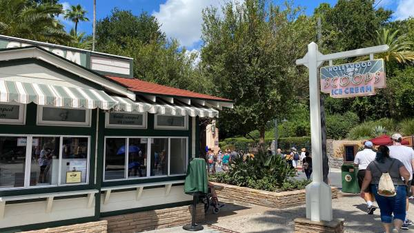 Hollywood Scoops Ice Cream reopens at Hollywood Studios! 1