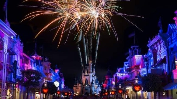 Disney World testing nighttime Cinderella Castle projections 1